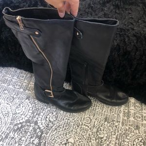 Size 8 black mid calf boots